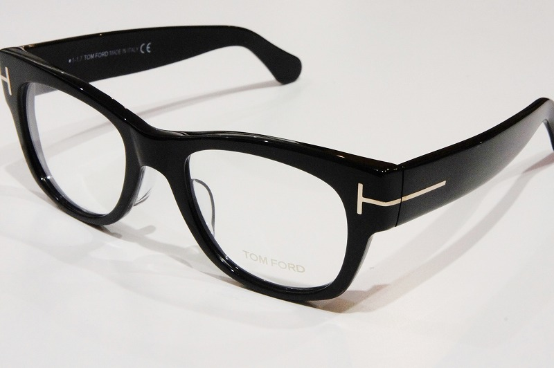 TOM FORD TF5040 ¥47,300-(税込)